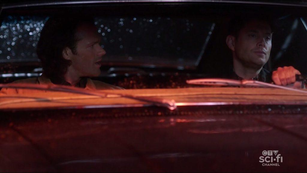 Sam e Dean numa clássica DR no carro.
