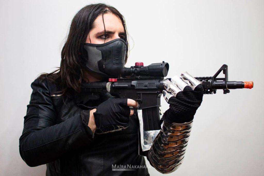 Caio Gaona com o cosplay Soldado Invernal