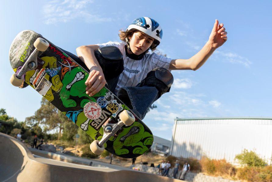 HyperX anuncia a skatista norte-americana Minna Stess como embaixadora global da marca